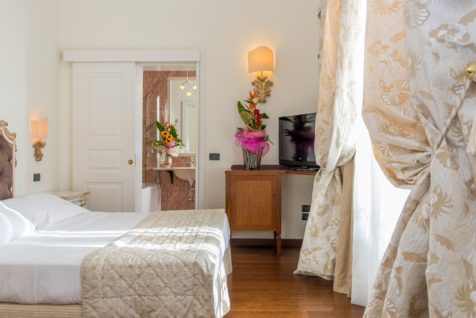 https://www.orlandinifrancesco.com/wp/wp-content/uploads/2018/09/Grand-Hotel-Lecce-3-1.jpg