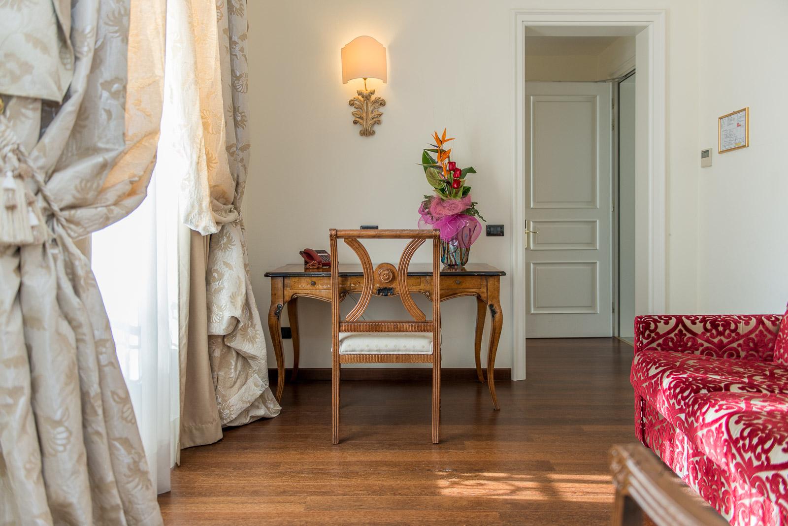 https://www.orlandinifrancesco.com/wp/wp-content/uploads/2018/09/Grand-Hotel-Lecce-5.jpg