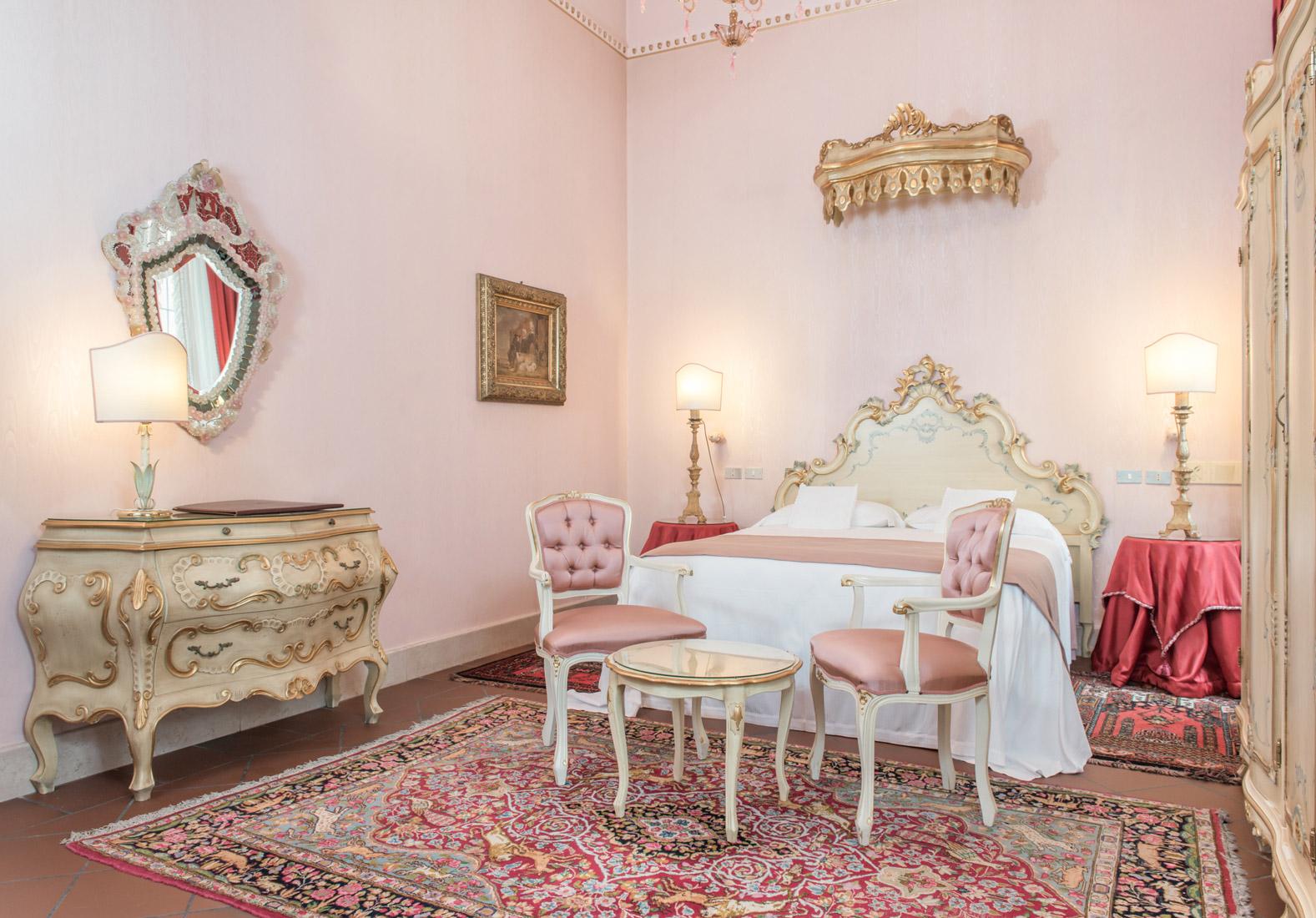 https://www.orlandinifrancesco.com/wp/wp-content/uploads/2019/01/Duchessa-Isabella-Ferrara-Camere-1.jpg