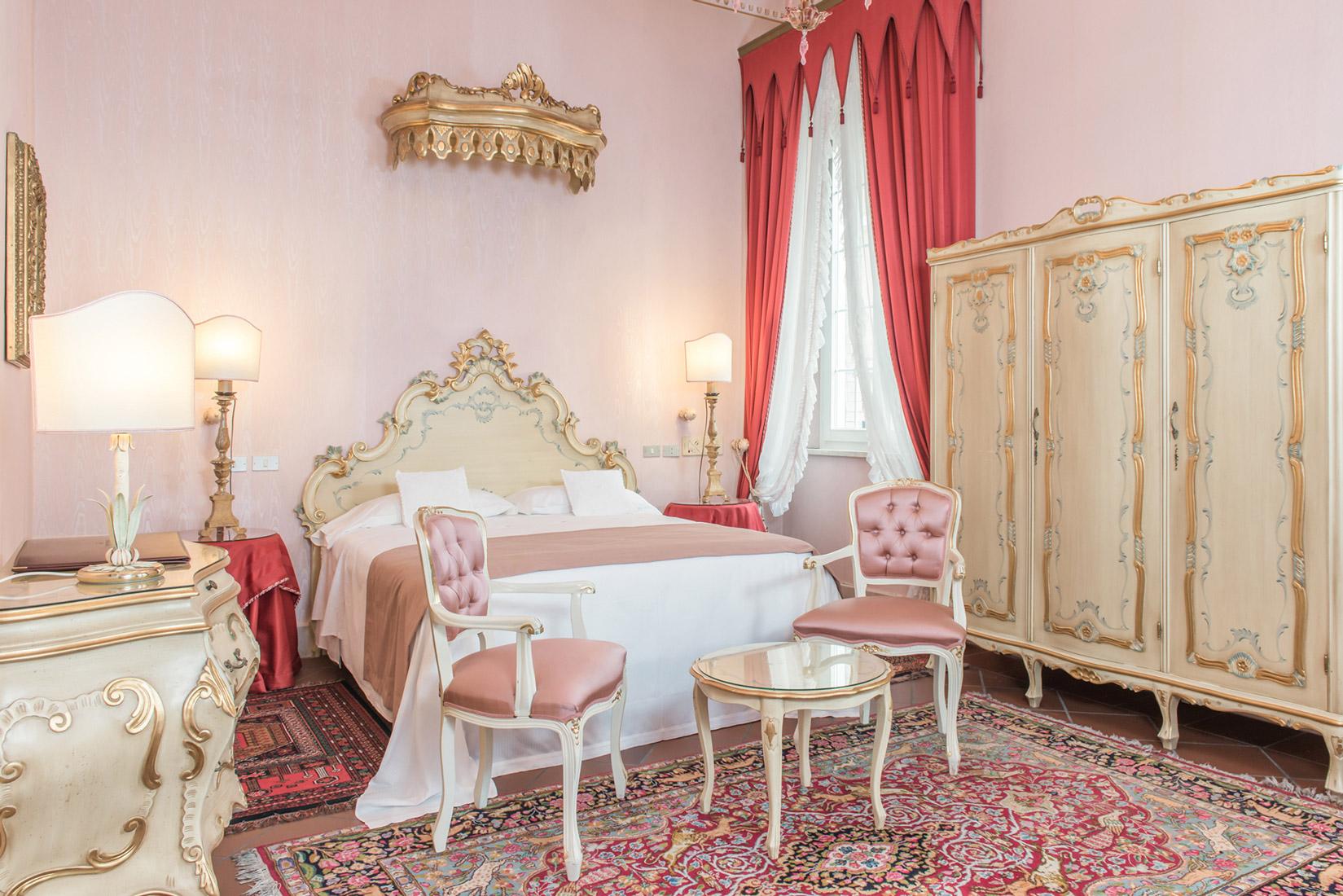 https://www.orlandinifrancesco.com/wp/wp-content/uploads/2019/01/Duchessa-Isabella-Ferrara-Camere-3.jpg