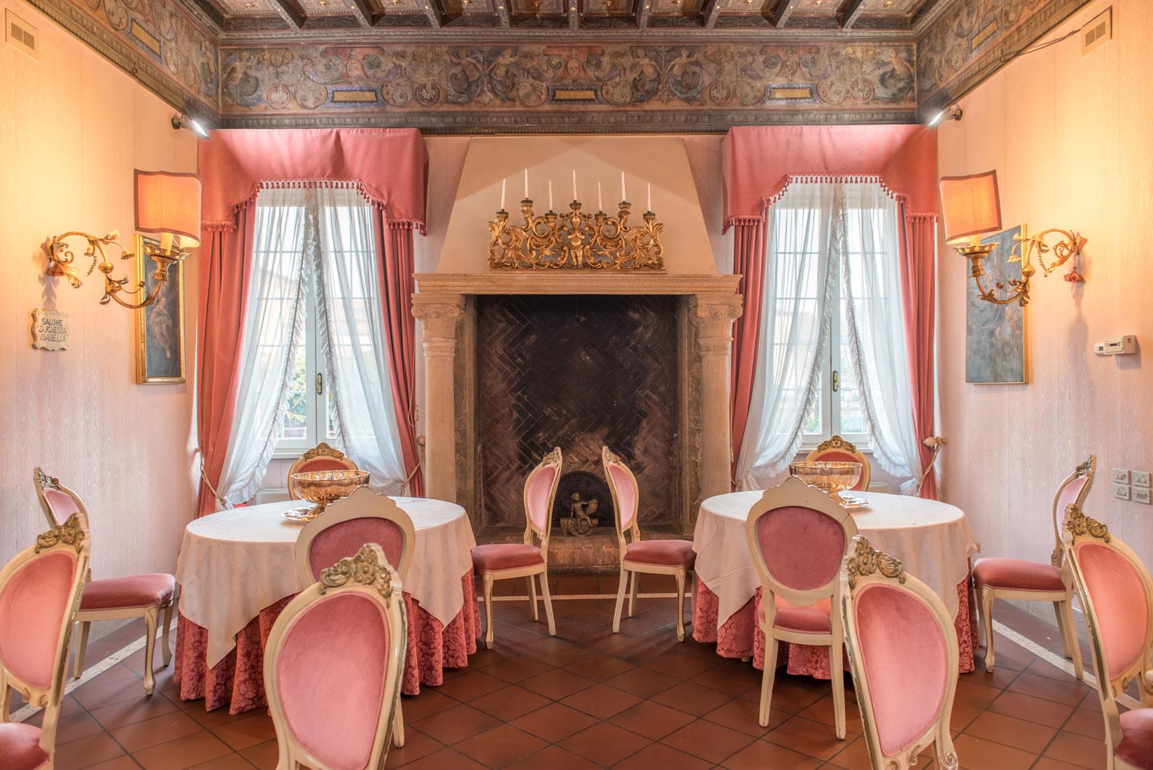 https://www.orlandinifrancesco.com/wp/wp-content/uploads/2019/01/Duchessa-Isabella-Ferrara-Posti-Comuni-8.jpg